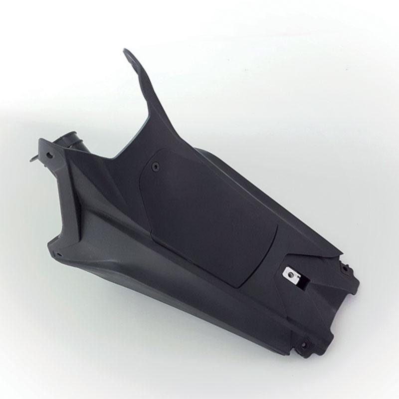 MERIDIES : pièce plastique de finition injectée avec inserts et collage pour l'industrie moto